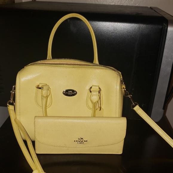 Coach Handbags - Coach purse with wallet